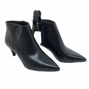 (SH-133) Time and Tru BootS Heel Black Size 8.5